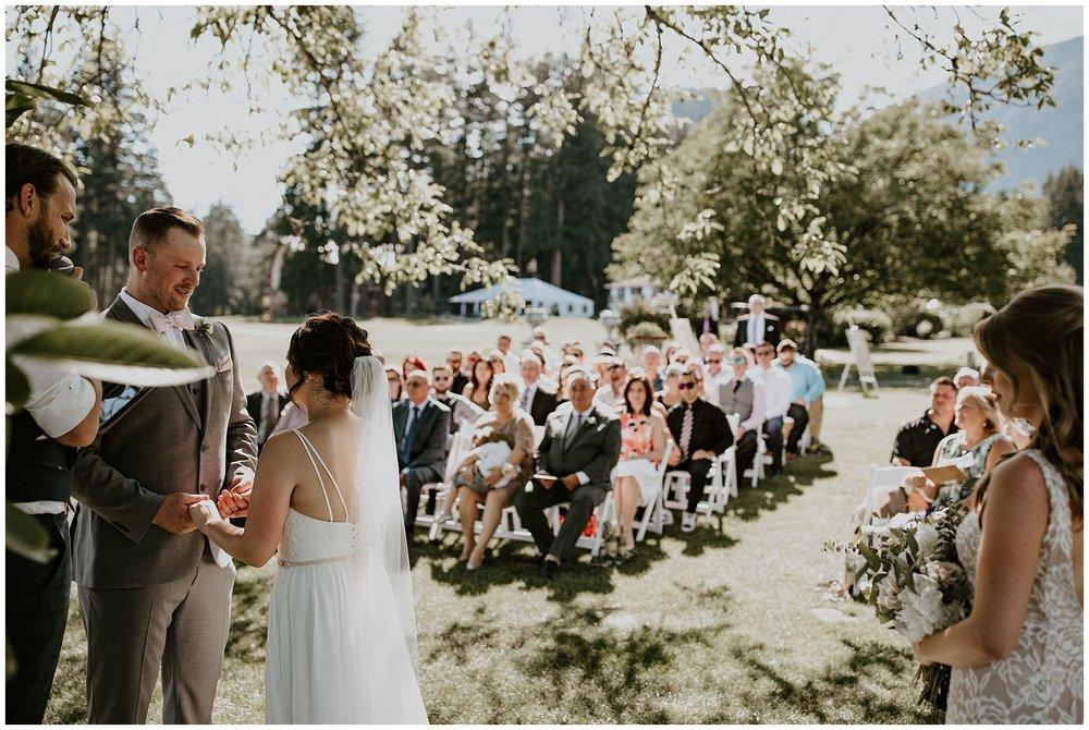 rowenas-inn-on-the-river-wedding-035.JPG