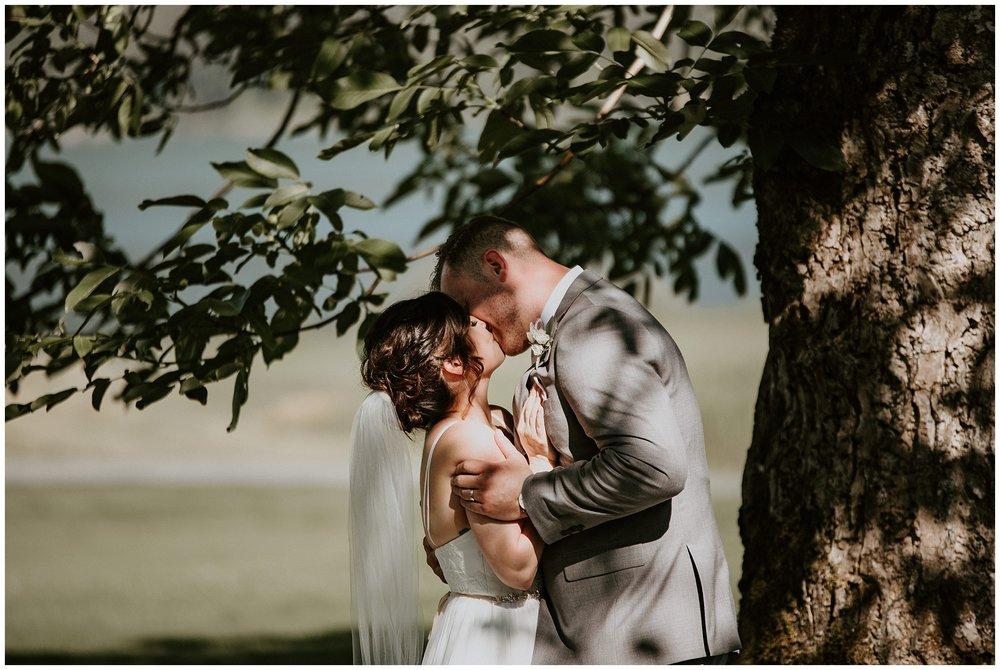 rowenas-inn-on-the-river-wedding-040.JPG
