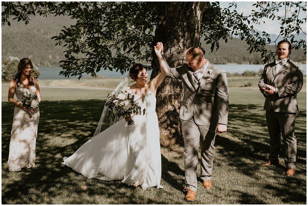 rowenas-inn-on-the-river-wedding-047.JPG