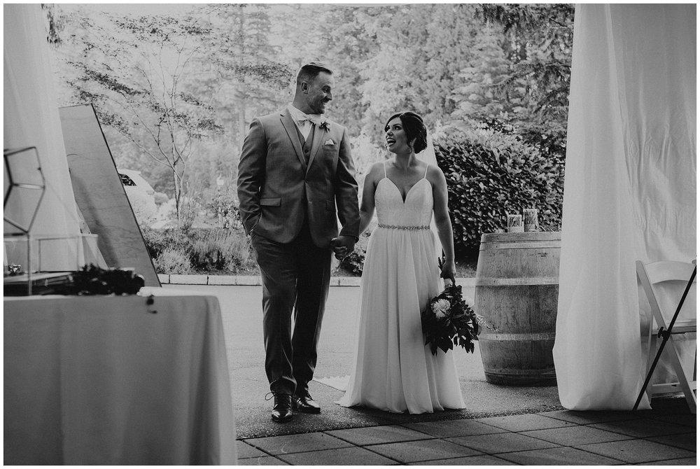 rowenas-inn-on-the-river-wedding-055.JPG