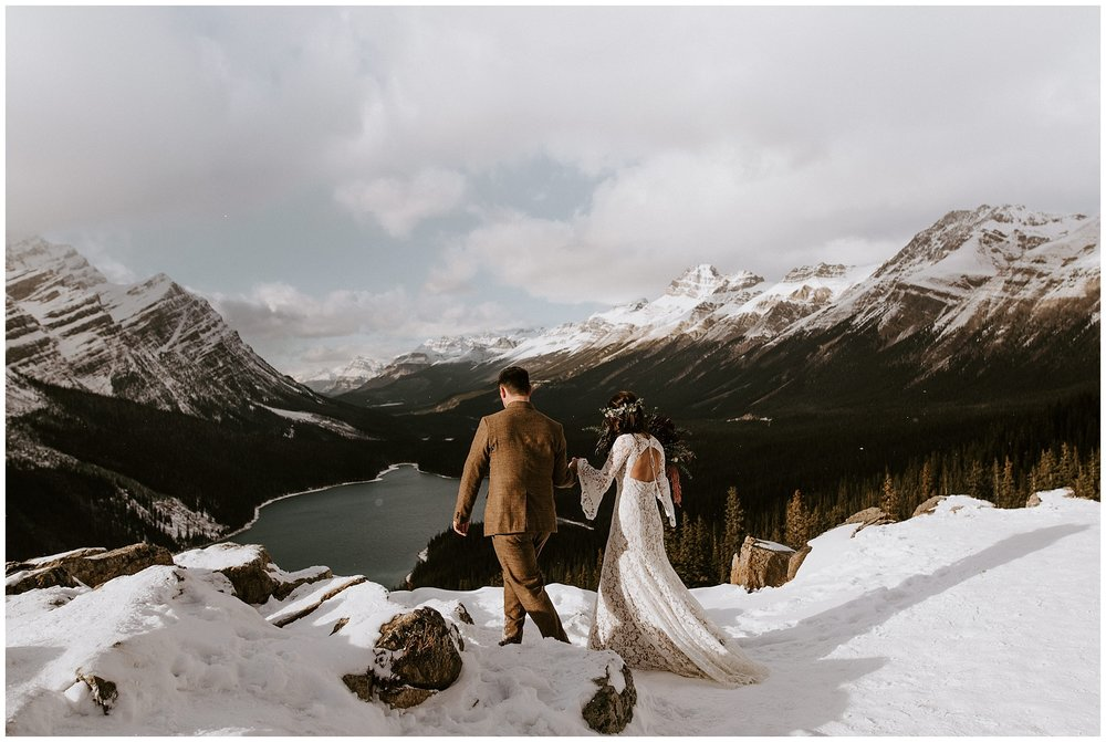 A bride and groom at the Peyto lake lookout
