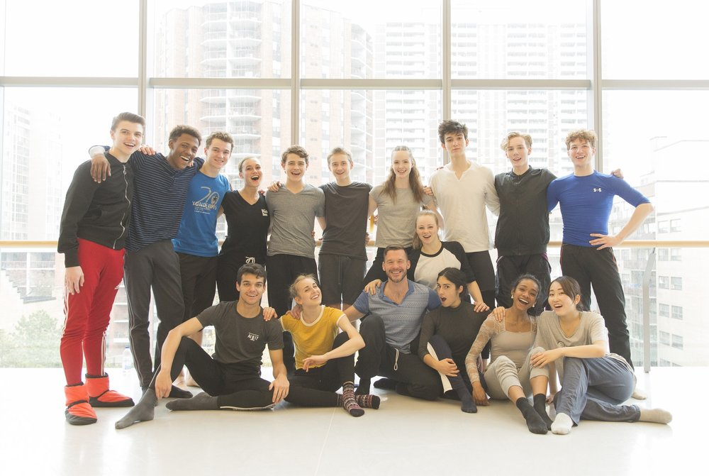 Matjash Mrozewski with the cast of  I Wonder -   AI17 - Canada's National Ballet School. Photo by  Aleksandar Antonijevic .