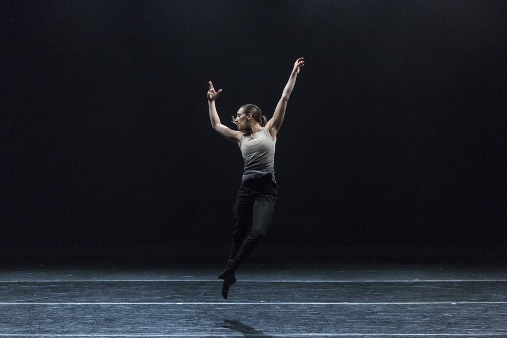 Kelly Shaw in  Future Perfect Continuous  (ProArteDanza). Photo by  Aleksandar Antonijevic