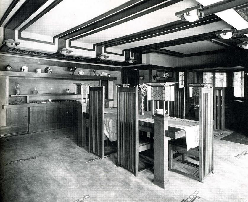 Robie House dining room. Photo via  Modern Art with Professor Blanchard .