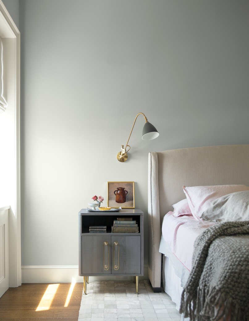 Mix Metropolitan with light pink and shades of gray for a serene, dreamy space. Image via  Benjamin Moore .