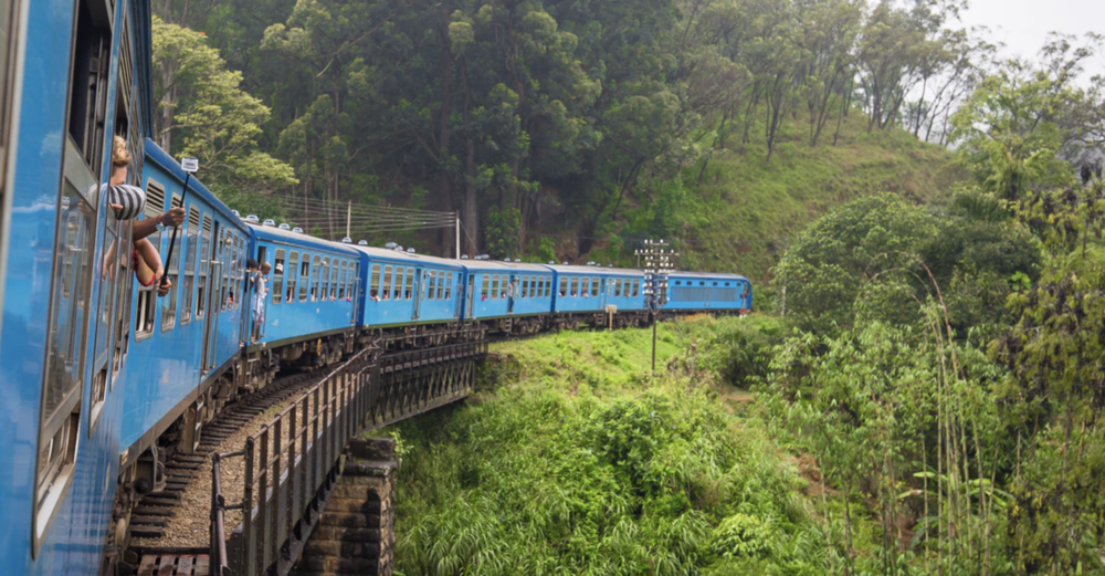 Ride the Podi Menike Train from Colombo to Badulla -