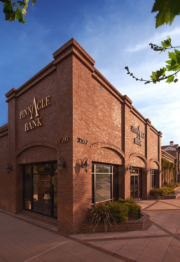 Pinnacle Bank 1 10x6.jpg