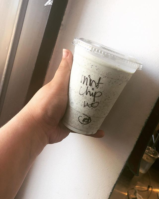 Our milkshakes bring everybody to the yard, and they're like it's better than yours💁🏻♀️🍦 #butlerscoffee #butlerscoffeehouse #organiccoffee #springvalley #casadeoro #mthelix #youstaythirstysd #sandiegocoffee #youstayhungrysd #yelpsd #sdpulse #cafemoto #sdcoffeenetwork #mintchip #milkshake #yum