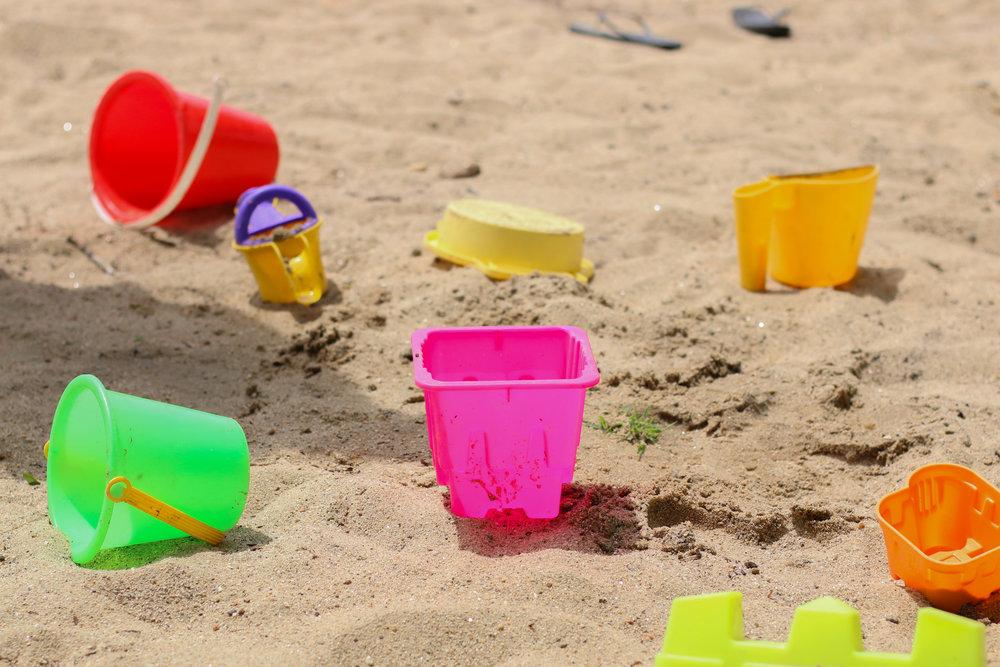 beachtoys.jpg