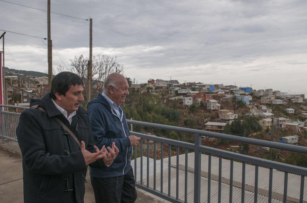 Recorriendo el cerro La Cruz junto al arquitecto Marcelo Ruiz