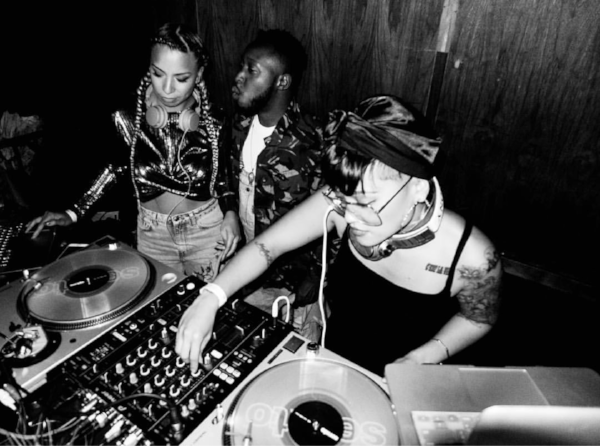 King Marie spinning with Jasmine Solano at Los Globos in Los Angeles, CA, November 2016