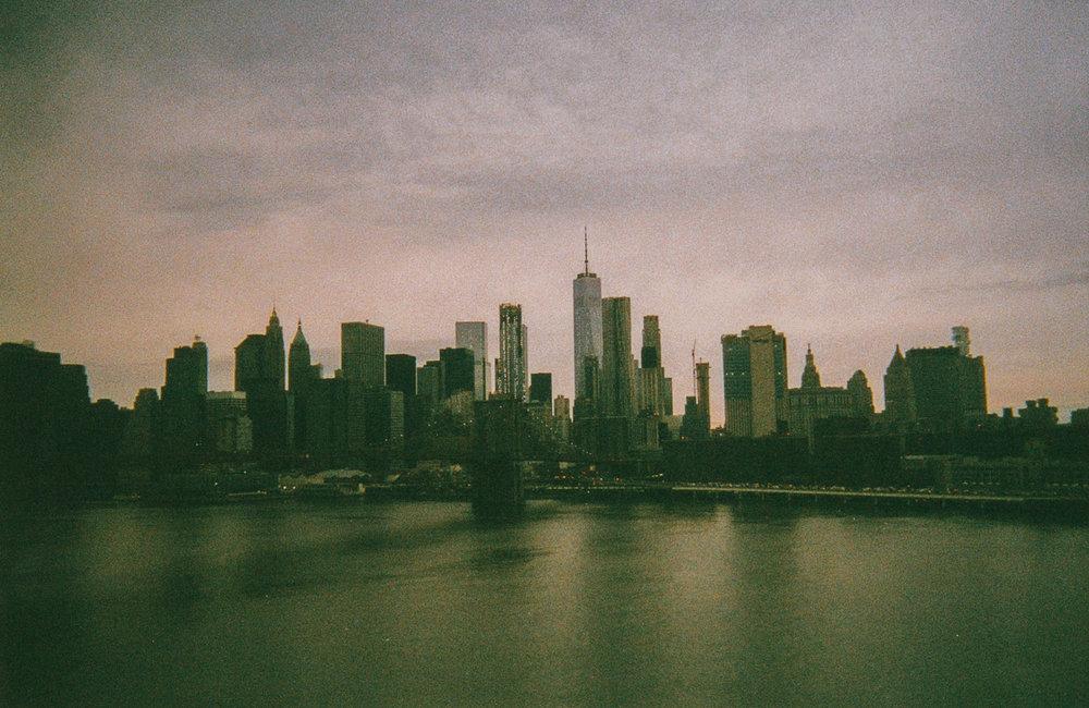 film nicole manhattan skyline view from manhattan bridge