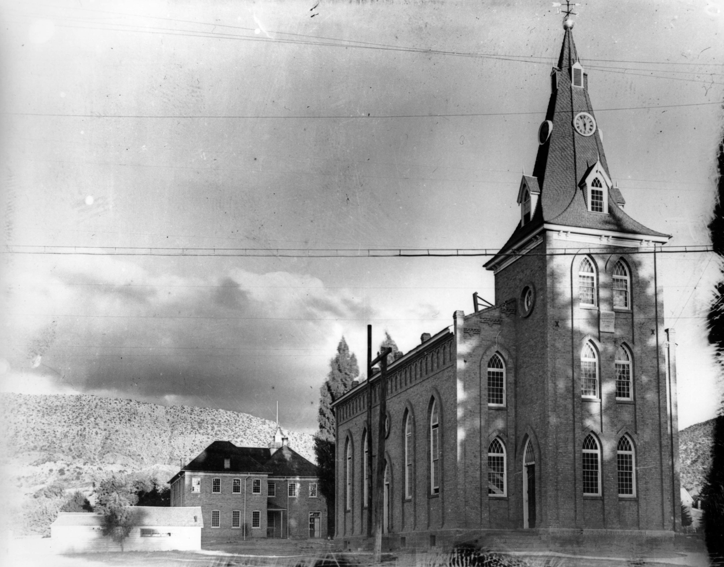 The Tabernacle with the District School in the background.