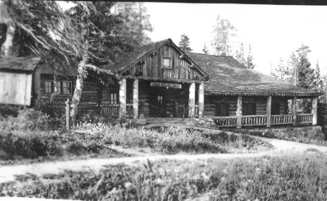Early photo of the Cedar Breaks Lodge.