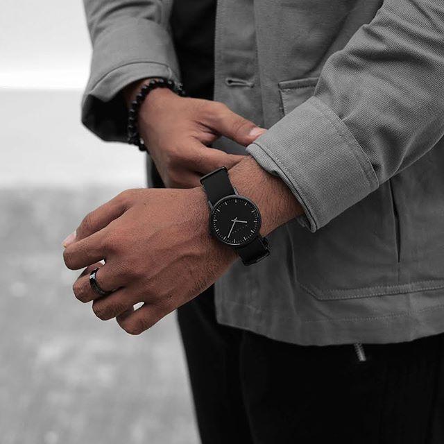 MALAYA-02 B [47820]. 📷: @sebuahparadoks . . . . . . #malayaco #watches #watchesofinstagram #minimalism #gifts #watchgeek