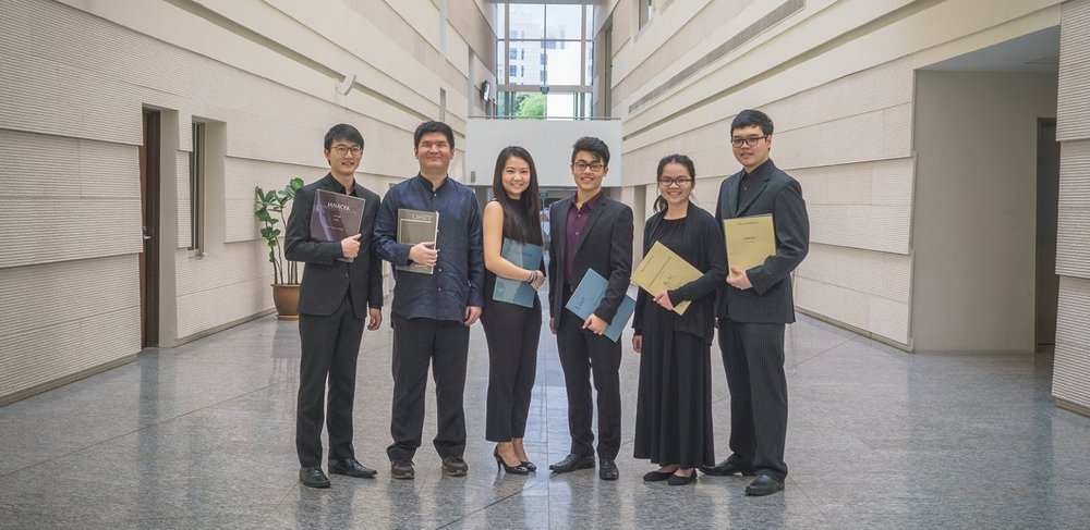 Steven (second from left) with the graduating pianists of YST Class of 2018