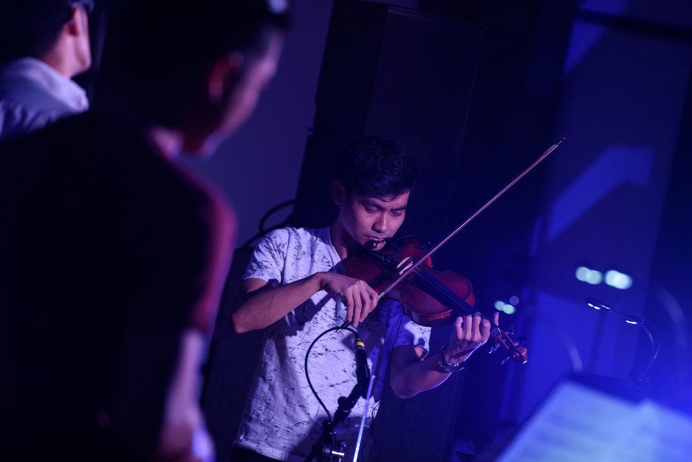 Gabriel Lee ('15, Violin) in performance.