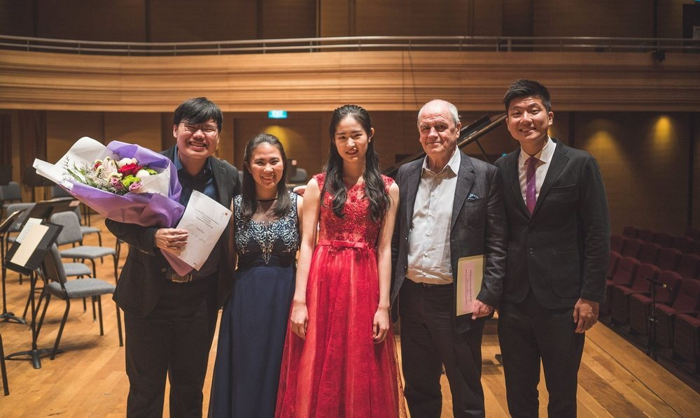 From left: Tzu Kuang, Shayna, Yuqi, Maestro Hans Graf, and Jian Han