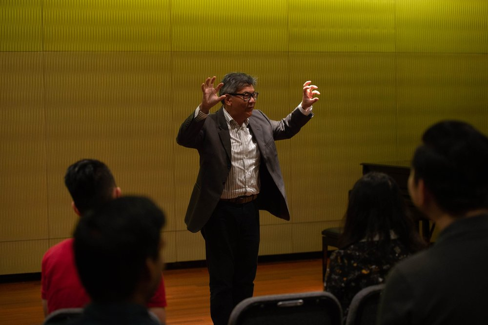 Assoc Prof Tony Makarome presenting a lecture at the Singapore Band Clinic.