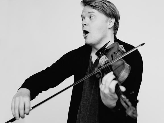 PEKKA KUUSISTO,  violin