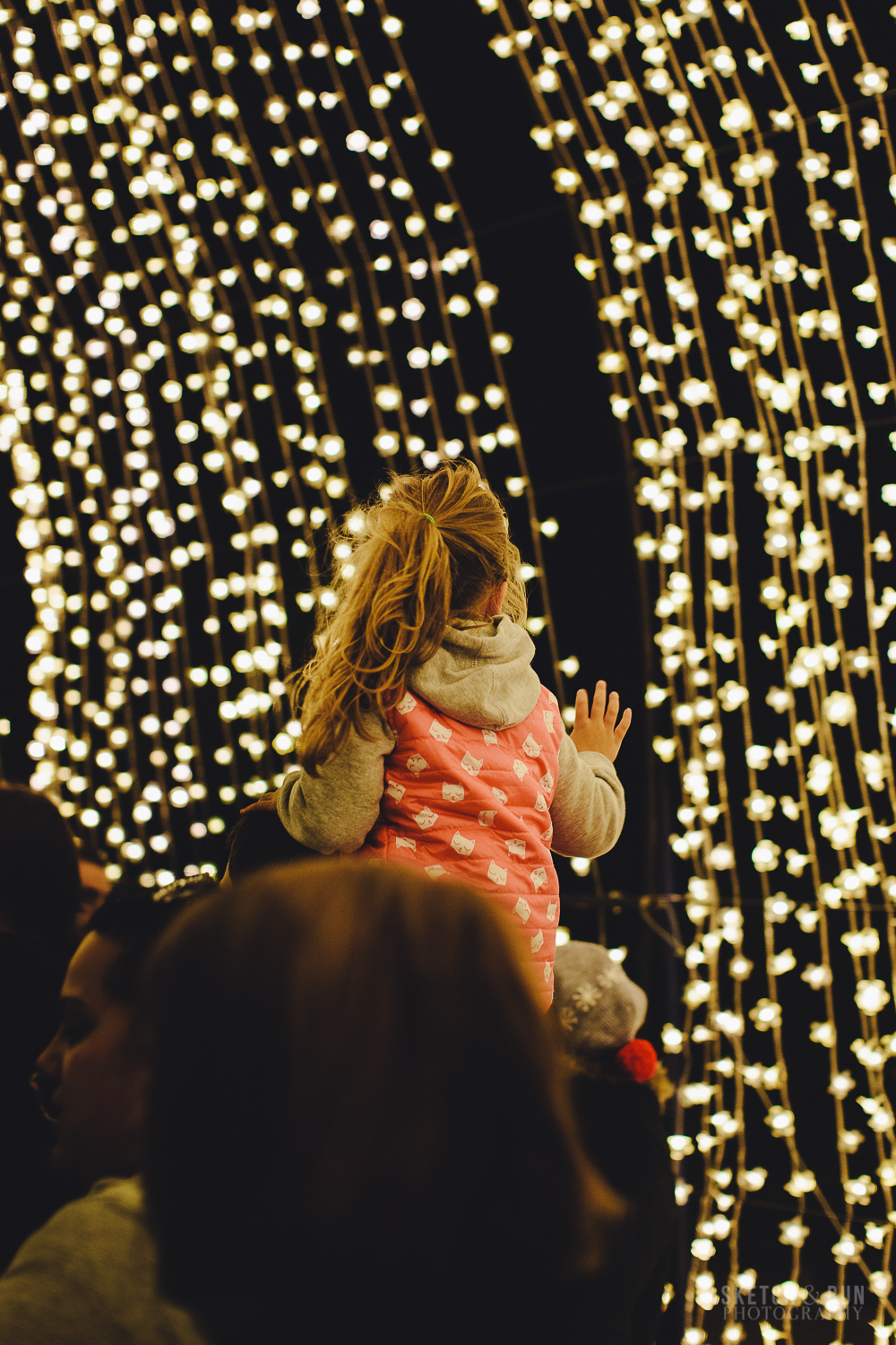 cathedral of light, vivid, vivid sydney, sydney, photography, street photography, children