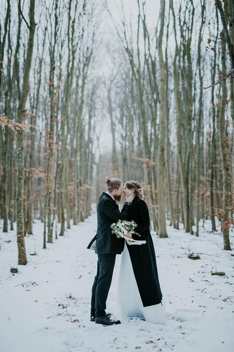 Intimate-winter-wedding-in-denmark (63).jpg