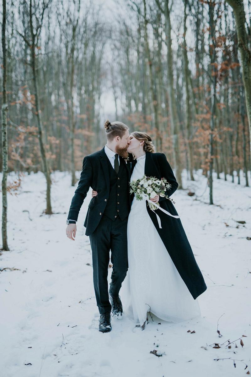 Intimate-winter-wedding-in-denmark (67).jpg