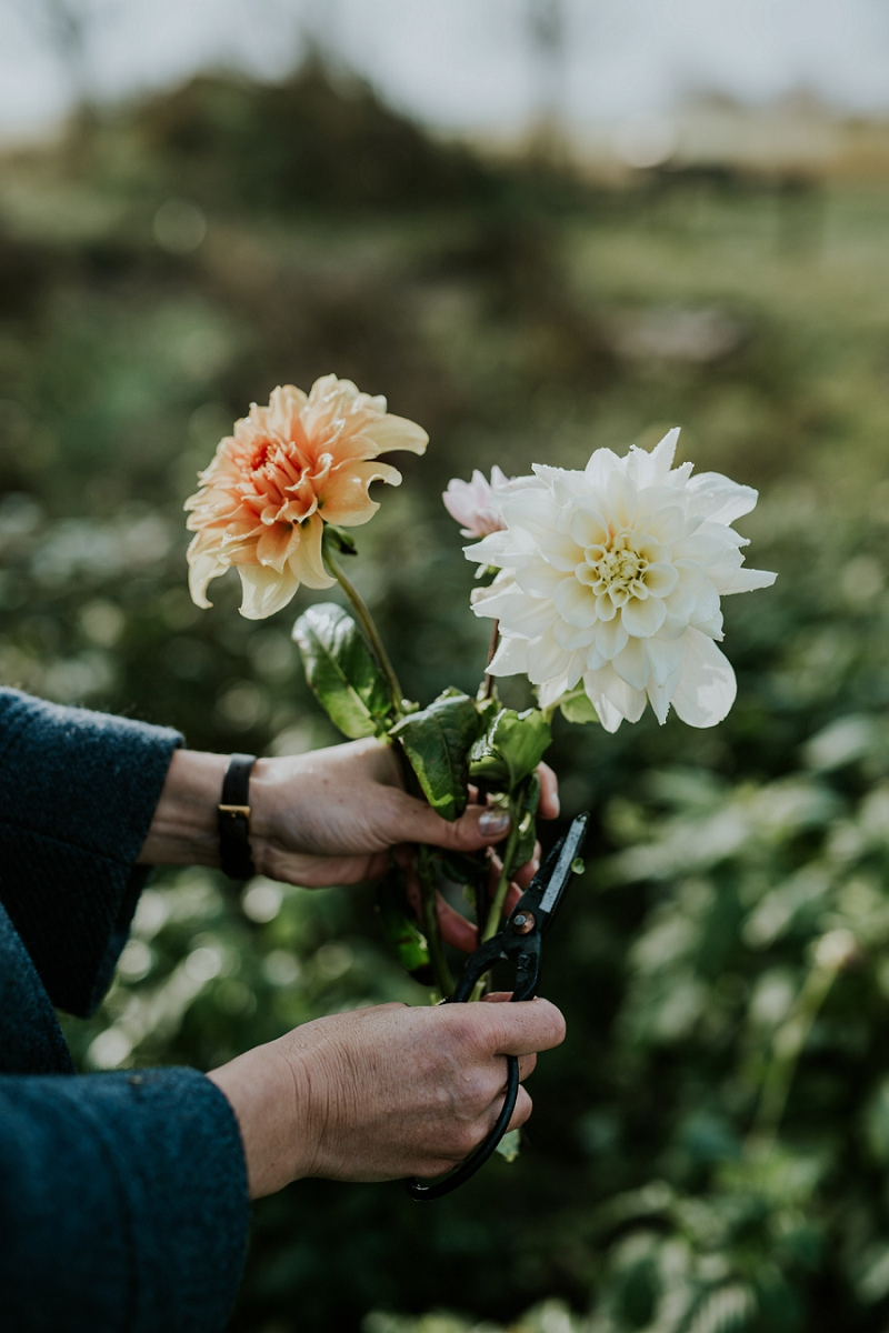 making-autumn-bridal-bouquet_6906.jpg