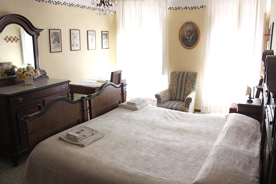 """La stanza da letto della """"Casa del Conte""""Nella tenuta della Fattoria."""