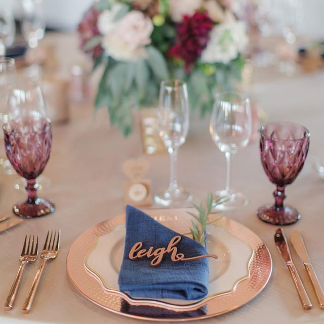 I love this color palette & table setting so much, and all the sweet details like the custom carved names at each setting. ⠀ ⠀ Venue: @viansasonoma⠀ Planning: Teina @milestoneeventsgroup ⠀ Florals: @vandafloraldesign ⠀ Rentals: @encoreeventrentals⠀ Catering: @figcaters⠀ Beauty: @bellaglowbeautystudio⠀ Hair: @_kendra.shea.hair_⠀ Cake: @crispbakeshop⠀ DJ: @boutiquedjs⠀ ⠀ #sonomawedding #viansa #viansawinery #viansawedding #wedding #winecountry #winecountrywedding #flashesofdelight #napaweddingphotographer #destinationwedding #weddingdress #bride #isaidyes #sonoma #napa #loripaladinophotography #pursuepretty #loveisbeautiful #love #thatsdarling #destinationweddingphotographer #bridalbouquet #darlingmovement #livethelittlethings #weddingstyle #ido