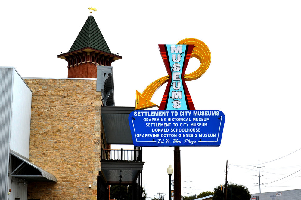 grapevine-museums-neon-sign.jpg