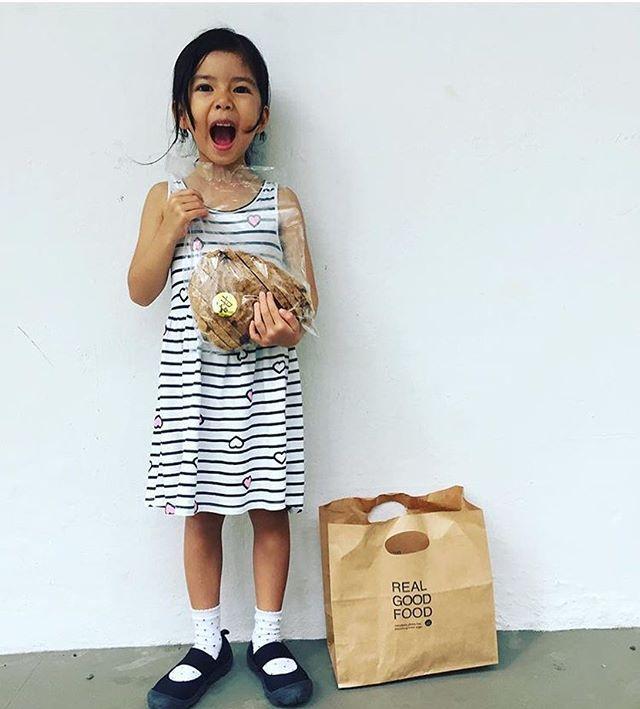 What a cutie! 😍 📸: @khookie • • • • • #coffee #cafe #cafehopping #sgcafe #sgdessert #instafoodsg #sgfoodies #food #paleo #keto #glutenfree #sglife #tiongbahru #bakery #sg #singapore #sgcafehopping #coffeelove #gelato #dairyfree #icecream #stickydate #healthy #realfood