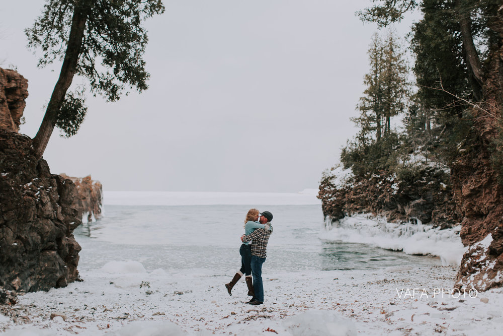 Little-Presque-Engagement-Nichole-Dan-VP91.jpg