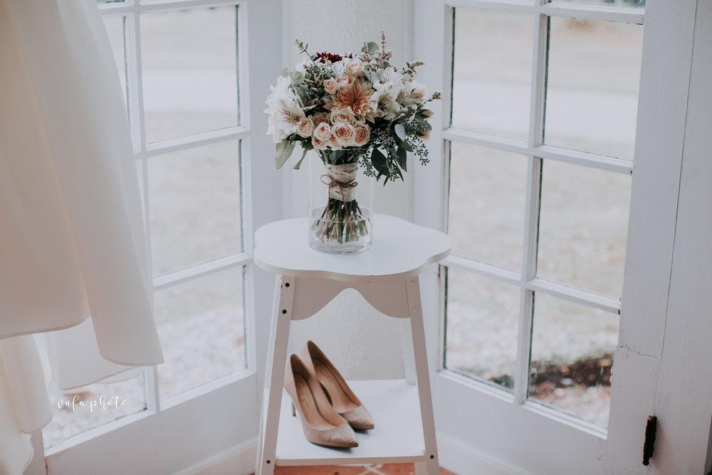 Grand-Rapids-Wedding-Danielle-Brian-Vafa-Photo-18.jpg