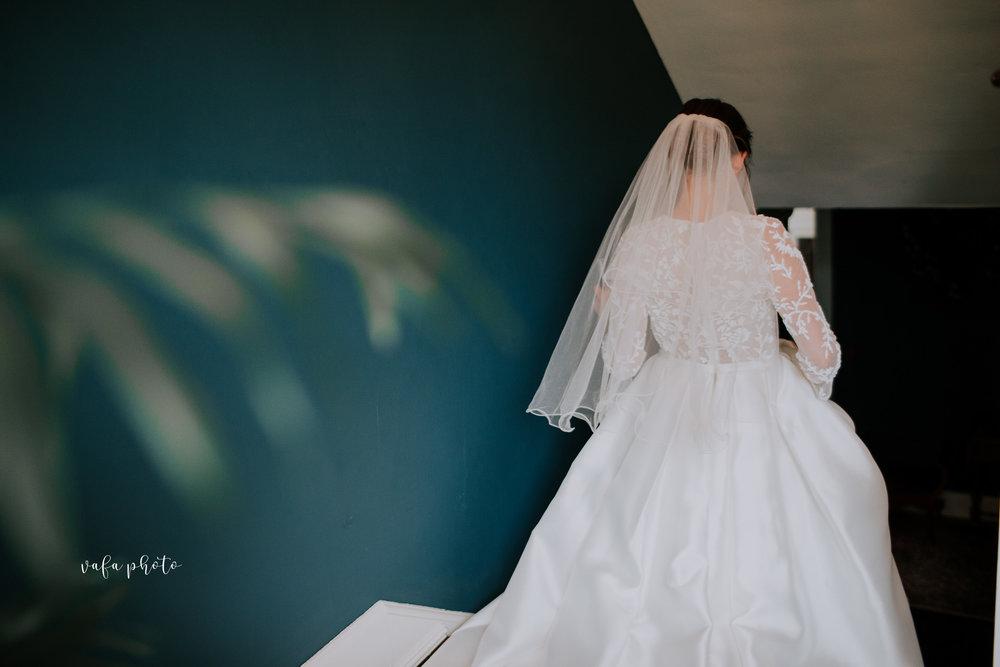 Grand-Rapids-Wedding-Danielle-Brian-Vafa-Photo-124.jpg