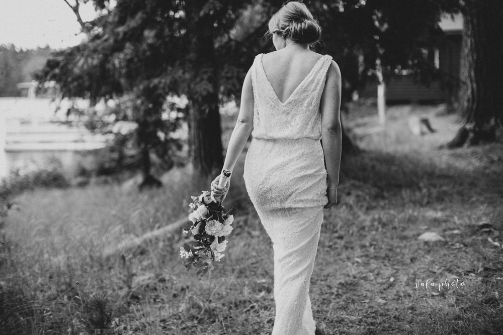 Michigan-Lake-House-Wedding-Madeline-Patrick-Vafa-Photo-628.jpg