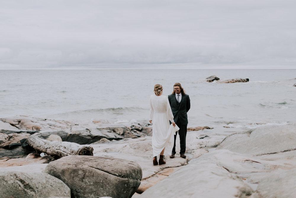 Belsolda-Farm-Wedding-Marquette-MI-Addie-James-Vafa-Photo16.jpg