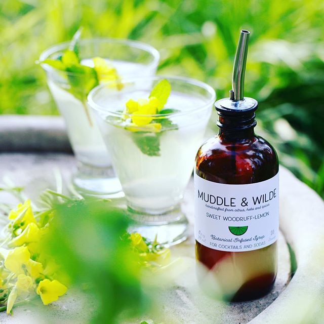Our seasonal Sweet Woodruff-Lemon was the hit at the Hollywood market today - once people tried, it sold out in no time. Sweet Woodruff is widely used in Germany to flavor sodas, white wine spritzers, beer and for cocktails. The taste can be described as something like a meadow smells like in springtime 🍀 . . . #sweetwoodruff #mocktail #cocktails #vodka #spritzer #beer #shandy #womenownedbusiness #hollywood #hollywoodfarmersmarket #calimade #springflavors #spring #newflavor #gin #cbd #mixology #homebar #bar #nonalcoholic