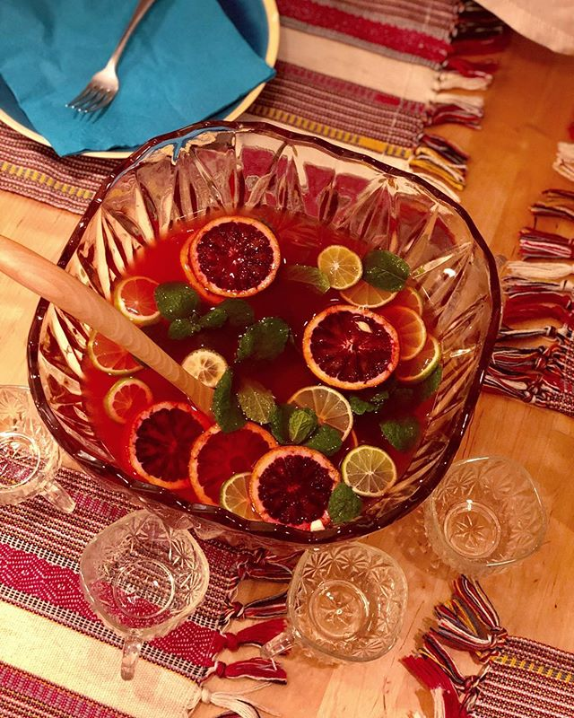 Good times tonight with Kids fruit punch .... just found this punch bowl in Palm Desert thrift shopping and getting inspired :-) orange and lemon juice mixed with Hibiscus-Clove-Orange, water, mint from the garden 🌿 cheers! . . . #punch #punchbowl #muddleandwilde #kidsdrinks #party #womenownedbusiness #cocktail #calimade #mixology #cocktailset #nonalcoholic . . .