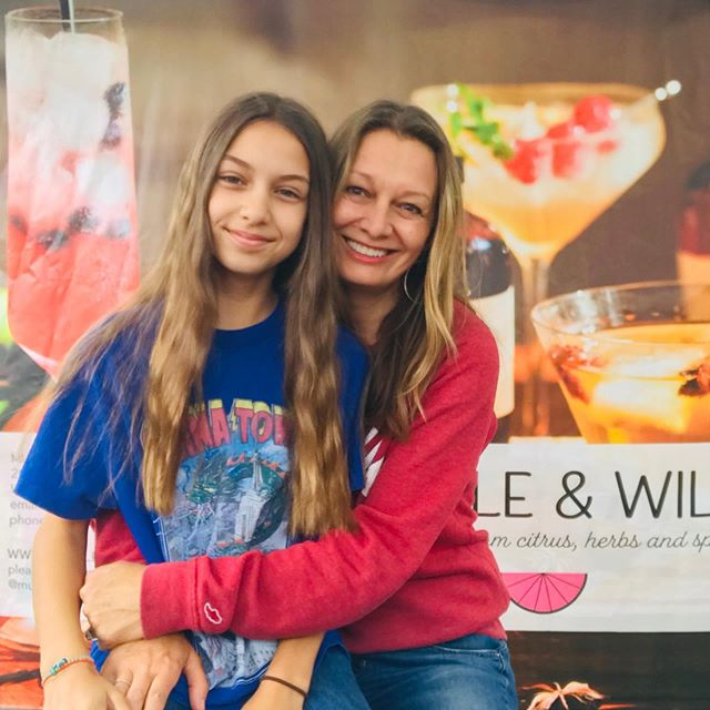 Today I have my beautiful daughter Ruby helping me at Hollywood Farmers market. What more could I ask for on Mother's Day ?! #muddleandwilde #hollywoodfarmersmarket #mothersday #botanical #daughter
