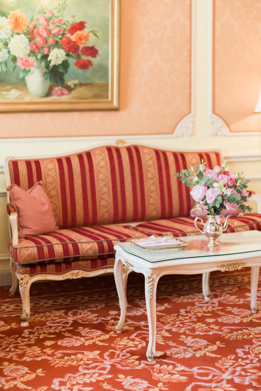 surprise-birthday-wedding-anniversary-themed-shooting-hotel-imperial-schloss-belvedere-vienna-austria-melanie-nedelko-photography-sissi-franz (1).JPG