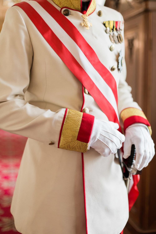 surprise-birthday-wedding-anniversary-themed-shooting-hotel-imperial-schloss-belvedere-vienna-austria-melanie-nedelko-photography-sissi-franz (10).JPG