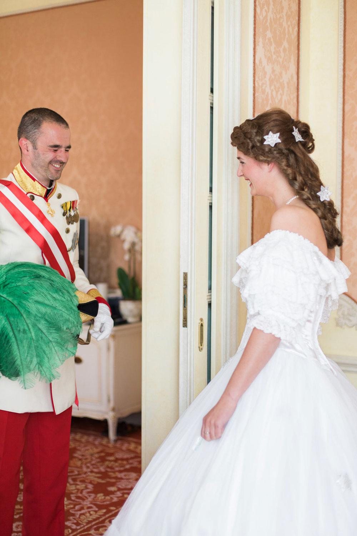 surprise-birthday-wedding-anniversary-themed-shooting-hotel-imperial-schloss-belvedere-vienna-austria-melanie-nedelko-photography-sissi-franz (13).JPG