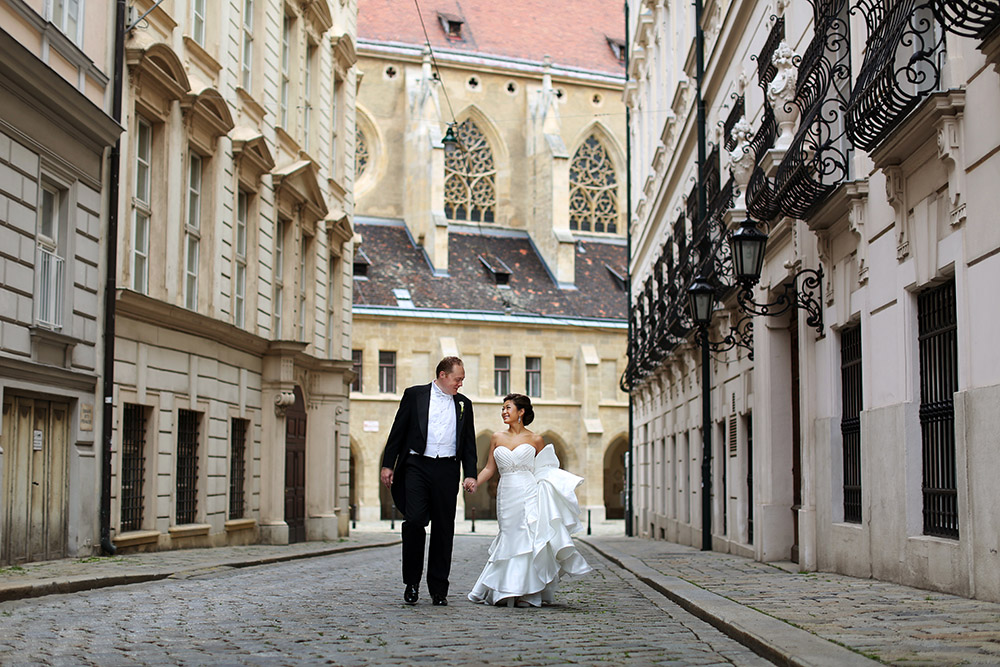 american-destination-wedding-abroad-vienna-austria-schloss-schoenbrunn-palais-coburg-wedding-planner-vienna (40).JPG