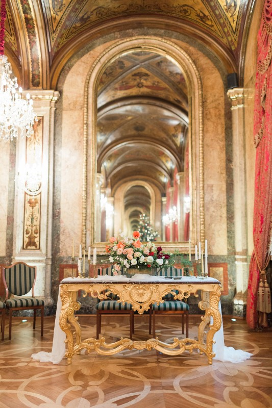 american-christmas-destination-wedding-abroad-luxury-hotel-imperial-wedding-planner-vienna-austria (5).jpg