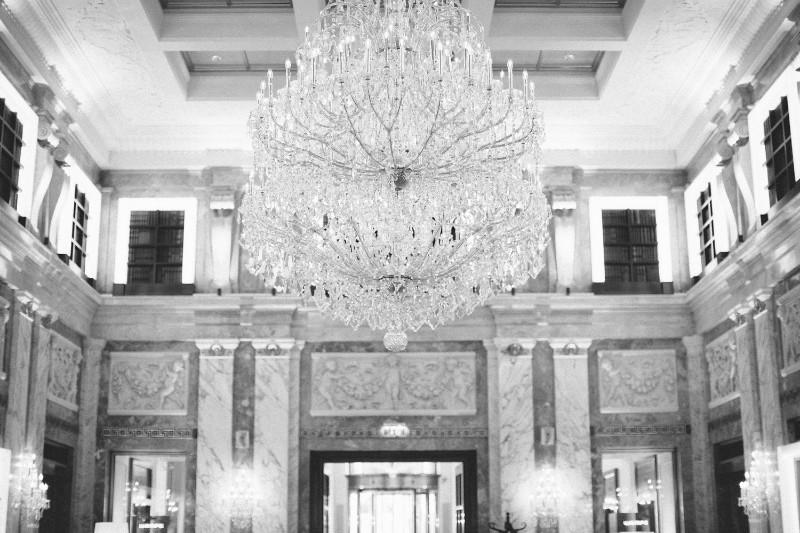 american-christmas-destination-wedding-abroad-luxury-hotel-imperial-wedding-planner-vienna-austria (36).jpg