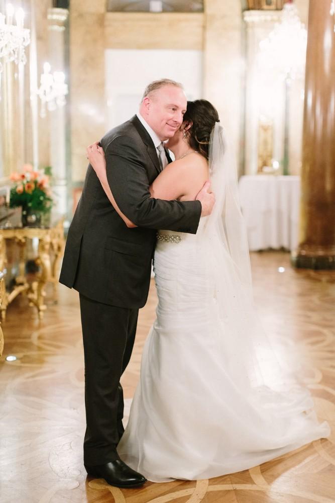 american-christmas-destination-wedding-abroad-luxury-hotel-imperial-wedding-planner-vienna-austria-nikol-bodnarova-photo (2).jpg