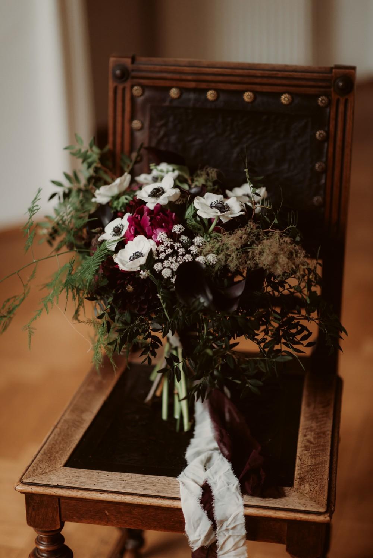 dark-moody-summer-wedding-schloss-margarethen-am-moos-vienna-austria-highemotionweddings-planner-landofwhitedeer (97).jpg
