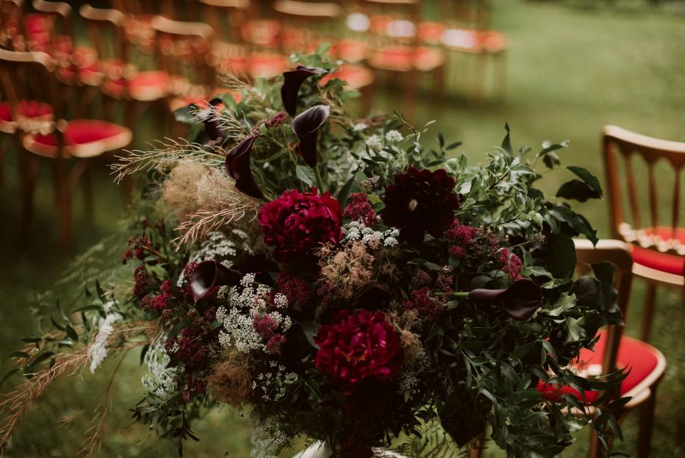 dark-moody-summer-wedding-schloss-margarethen-am-moos-vienna-austria-highemotionweddings-planner-landofwhitedeer (33).jpg