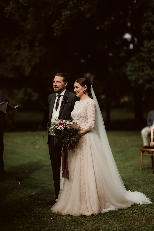 dark-moody-summer-wedding-schloss-margarethen-am-moos-vienna-austria-highemotionweddings-planner-beaded-champagne-bridal-dress-ersa-atelier (3).jpg
